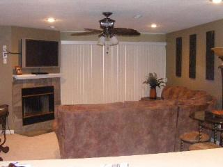 Ledges 3B/2B-Waterfront--Stay by May 14, 2017 for $120/night. - Osage Beach vacation rentals