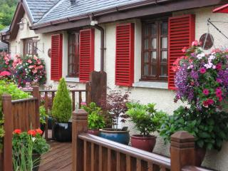 Beautiful Cottage with Deck and Internet Access - Luss vacation rentals
