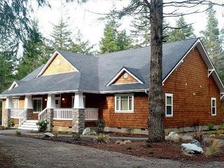 Bandon Golf Villa, Luxury, Amenities+, 4 MB Suites, 8 Qn Beds, Great Rates! - Oregon Coast vacation rentals