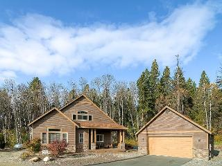 Highly Appointed ~3BD Cabin |Hot Tub,Game Rm,Pool Access| Slps 9, Book & Save - Cle Elum vacation rentals
