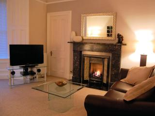 The Glendevon Residence. 4 Star Luxuary - Edinburgh vacation rentals