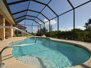 Cape Coral 5 bedroom house+ southern exposure pool - Cape Coral vacation rentals