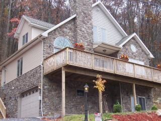 EAGLE ROCK RESORT-STONE CHALET-free ski,golf, tennis - Allentown vacation rentals