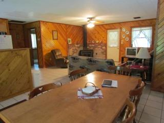 Kishauwau Cabins near Starved Rock Utica IL Illini - Utica vacation rentals
