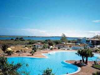 Wonderful Condo with Deck and Internet Access - Cabanas de Tavira vacation rentals