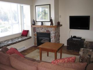 Whistler Village - 2 Bedrm Town Plaza-Eagle Lodge - Whistler vacation rentals