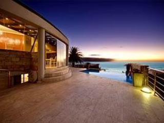 View-tiful: Views, Gym,Foosball and Pool Table - Camps Bay vacation rentals