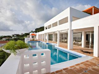 Spacious Villa with Internet Access and Dishwasher - Cole Bay vacation rentals