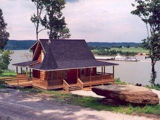Beautiful Cabin with Deck and A/C - Evansville vacation rentals