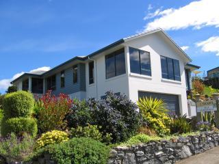 Bay Vista KAITERITERI - Luxury 3 Bedroom Property. - Kaiteriteri vacation rentals