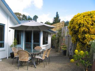 Bay Vista KAITERITERI - Award Winning Luxury 3 Bedroom Property. - Kaiteriteri vacation rentals