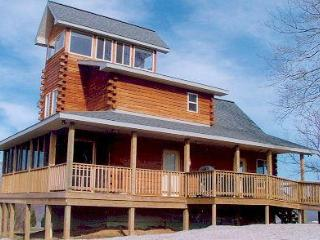 Spacious Cabin with Deck and A/C - Magnet vacation rentals