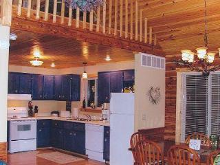 4 bedroom Cabin with Deck in Louisville - Louisville vacation rentals