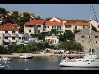 2998  R1(2) - Postira - Postira vacation rentals