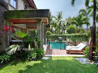 Villa Castilla - Unbeatable location, sleeps 9+ - Seminyak vacation rentals