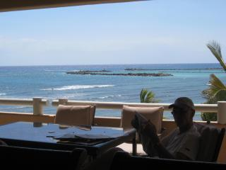 Ocean/Beachfront Luxury Condo open to Caribbean !! - Puerto Aventuras vacation rentals