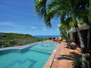 AZUR REVE... 4 BR private, tropical, tranquill... great vacation villa for those looking to unwind - Burgeaux Bay vacation rentals