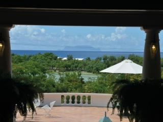 LES ZEPHYRS... casual, confortable3 BR family villa, gorgeous gardens! - Terres Basses vacation rentals