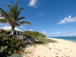 LA MISSION... affordable beachfront value! Come with your family or group of - Baie Rouge vacation rentals