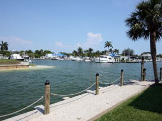 Mariner Pointe 121 - Sanibel Island vacation rentals