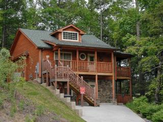 Nice 2 bedroom Pigeon Forge Chalet with Fireplace - Pigeon Forge vacation rentals