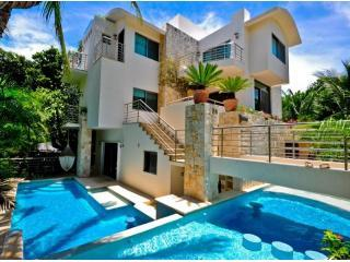 Welcome to Villa Prieto, an indisputably marvelous and modern Villa that offers all you could need! - VILLA PRIETO #1 Villa in Playacar - Playa del Carmen - rentals