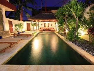 Villa D'Va 1b, 4 or 6 Bedrooms, Pool Fence - Seminyak vacation rentals