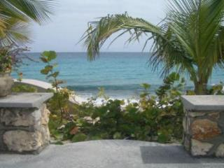 BAIE LONGUE BEACH HOUSE...3 BR  tropical hideaway for couples directly on Long Beach! - Baie Longue vacation rentals