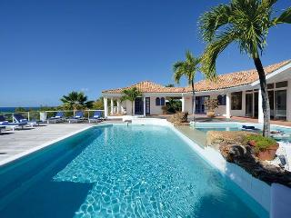 BELLE FONTAINE... 5 master suites, huge gazebo, the perfect couples villa! - Terres Basses vacation rentals