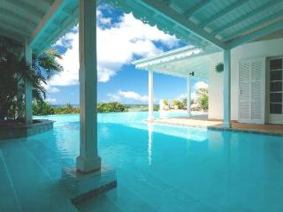 LA JOSEPHINE... Great 7 BR Family Villa... Huge Pool with Gazebo & Outdoor Entertainment Area! - Nettle Bay vacation rentals
