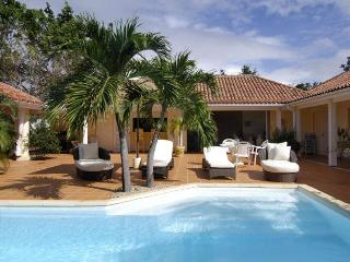 LA NINA... includes Tennis Court & Gym for 2 lucky couples or small family - Terres Basses vacation rentals