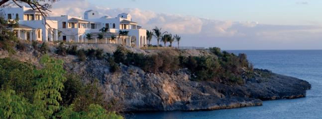 La Samanna Villas...French St Martin...cliffside overlooking the sea and Baie Long - LA SAMANNA VILLAS... the ultra luxurious cliffside villas of La Samanna over - Baie Rouge - rentals