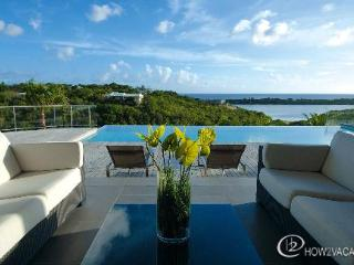 NO LIMIT...3 equal master suites, luxury, views, great for couples! - Terres Basses vacation rentals