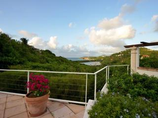 TURQUOISE... lovely, comfortable villa with spectacular views! - Terres Basses vacation rentals