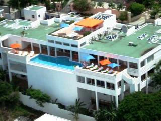 BELLA VITA...  a gorgeous, huge, super deluxe - Pelican Key vacation rentals