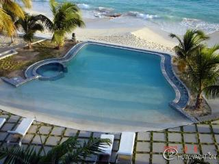 RENDEZVOUS... at Las Arenas.., a fabulous 2 BR contemporary condo unit  on  a great beach! - Burgeaux Bay vacation rentals