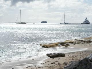 IL PUNTO BLU...located right on the beach in prestigious Pelican Key - Pelican Key vacation rentals