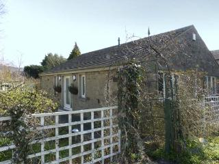 THE ARBOUR, country holiday cottage, with a garden in Gargrave, Ref 5660 - Gargrave vacation rentals