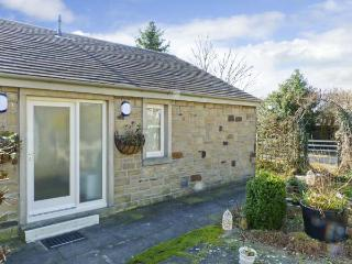 THE SNUG, country holiday cottage, with a garden in Gargrave, Ref 5659 - Gargrave vacation rentals