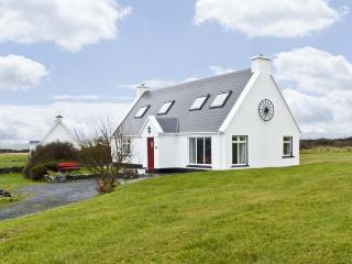 6 MUCKANISH COTTAGES, family friendly, with a garden in Ballyvaughan, County Clare, Ref 4599 - Kilcolgan vacation rentals