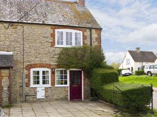 CANDY COTTAGE, pet friendly, country holiday cottage, with open fire in Thornford, Ref 5331 - Sherborne vacation rentals