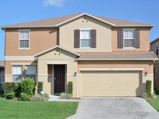 Palm View Villa 5+ Bed, 3xKing Master 2xTwin + Den - Davenport vacation rentals