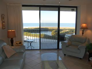 Nice Condo with Internet Access and Dishwasher - Marco Island vacation rentals