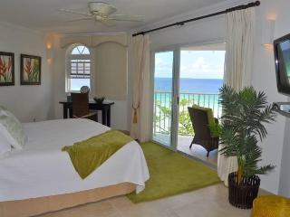 Beach front penthouse apartment at Sapphire Beach - Dover vacation rentals