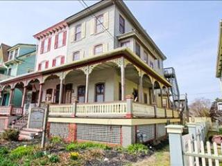 House with 2 Bedroom & 2 Bathroom in Cape May (101012) - Cape May vacation rentals