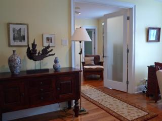 1 bedroom furnished apt elegant, close to the lake - Chicago vacation rentals