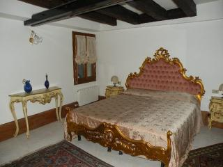 Great Canal view 5 minutes from S. Marco Square - Venice vacation rentals