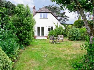 BROCK COTTAGE, romantic, country holiday cottage, with a garden in Beaulieu, Ref 6495 - Totland vacation rentals