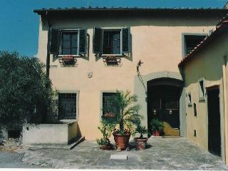 CHARMING ROMANTIC MANSION OVERLOOKING FLORENCE - Lastra a Signa vacation rentals