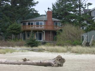 Comfortable House with Deck and Internet Access - Cannon Beach vacation rentals